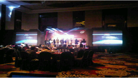 Penyewaan 2 unit projector 5000 ansi lumen dan layar 4x3m